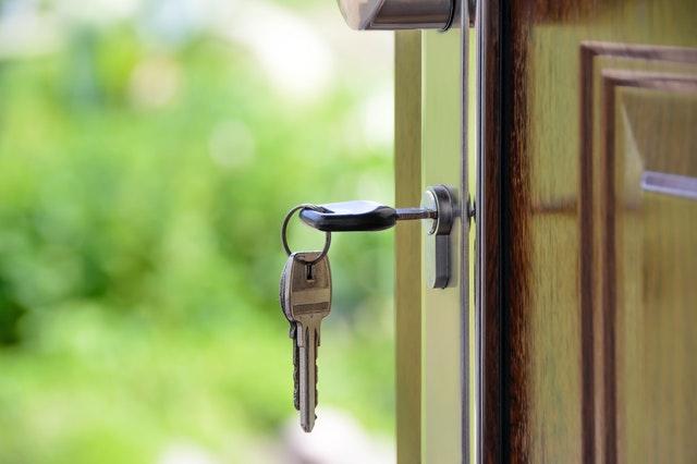 Changing Locks vs Rekeying